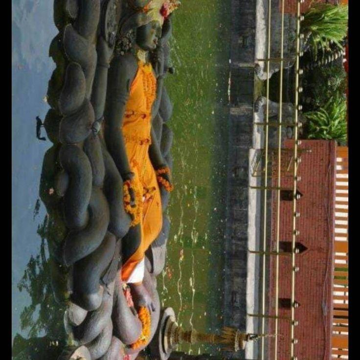 1400 साल पुरानी श्री विष्णु भगवान कि मूर्ति   विश्राम मुद्रा में लेटे हुए श्री विष्णु भगवान की यह मूर्ति नेपाल के काठमांडू शहर से दूर बुदानीलकंठ मंदिर में स्थित है। यह पूरी मूर्ति सिर्फ एक ही काले पत्थर से बनी है।  ॐ नमो नारायणाय नमः 😇🙏🏻🌸  #Lord_Vishnu #Oldest_Vishnu #Hinduism #Temple #Miracle #Thurday #Vishnu #Ram #Krishna #Bhati_Sarovar #Devine #Bhakti #Bhajan #Dattatreya_Bhagwan #Sai_Baba #Shree_Vishnu
