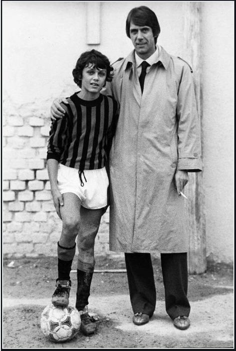 La familia Maldini  Will not be much longer before the next generation Maldini will be playing Serie A ...What a legacy