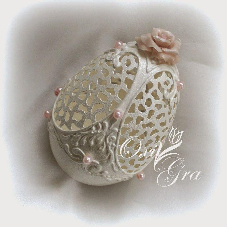 OxiGra egg art. Exquisite