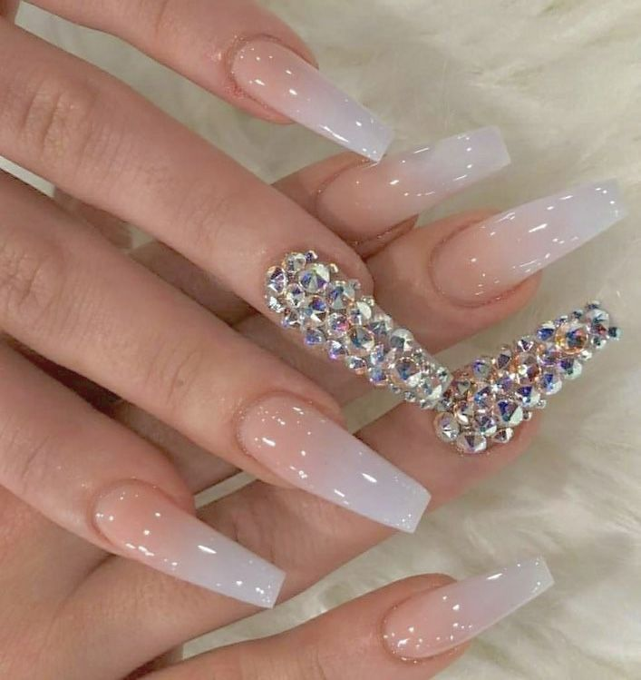 Follow Tryyveaytyѕ For More Rorrin Pins Rhinestone Nails Nails Design With Rhinestones Cute Acrylic Nails