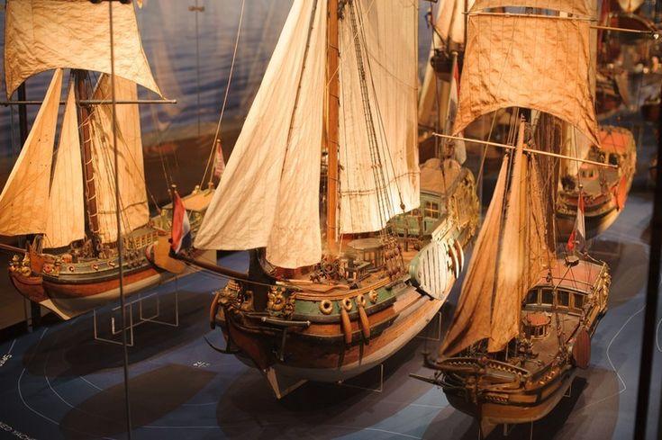 Het Scheepvaartmuseum in Amsterdam via Tea & a Camera