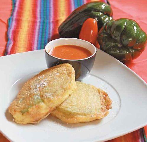 Los deliciosos Rellenos de Güisquil son un platillo sencillo y económico ademas de ser muy saludable. Y con nuestra receta, usted va a poder hacerlos al estilo casero Salvadoreño.
