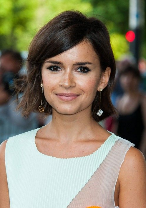 Miroslava Duma Layered Side Parted Short Haircut with Side Swept Bangs