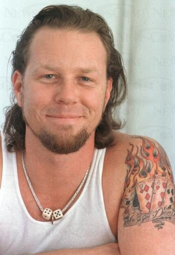 James #Metallica que sexi estás James te amooooooooo sos re lindo hijo de puta esos ojos