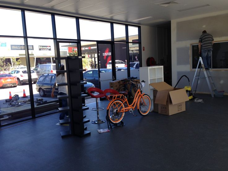 The first e-bike arrives at the new shop