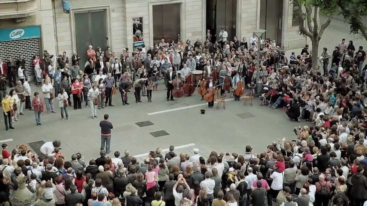 Flash Mob performing Ode an die Freude ( Ode to Joy ) Beethoven's 9th Symphony. The world needs more flashmobbing like this!
