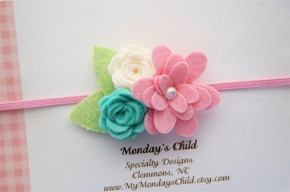He encontrado este interesante anuncio de Etsy en https://www.etsy.com/es/listing/224964840/pink-and-mint-baby-headband-mint-baby