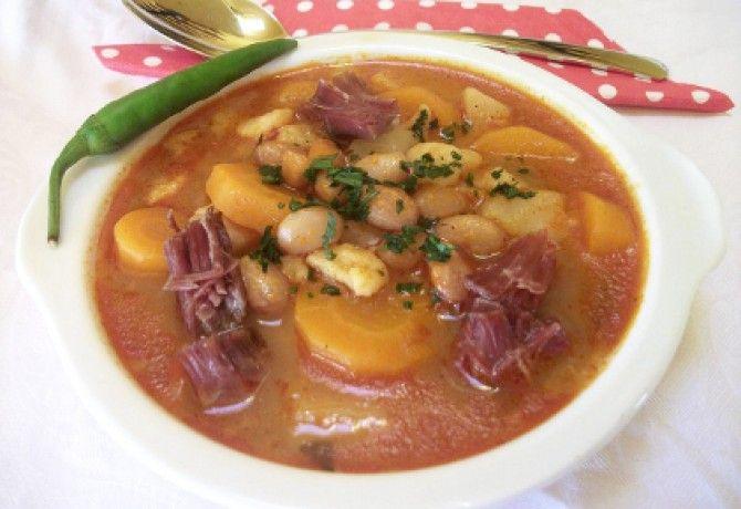 Fejtettbab-leves gazdagon csülökkel