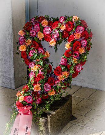 und die liebe ist die gr te herz abschied trauer liebe hingabe rosen floristik ebk. Black Bedroom Furniture Sets. Home Design Ideas