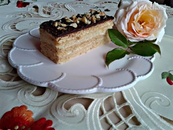 Medové rezy s orechovým krémom (fotorecept) - Recept