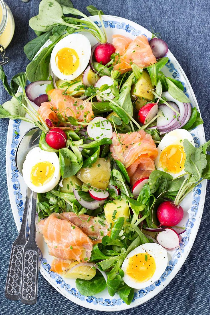 Spring Salmon Salad. A fresh, healthy and delicious salad that are perfect for spring and summer picnics and dinner parties!