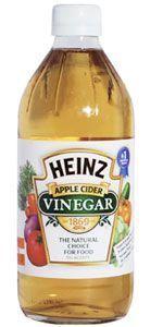 Trate de añadir una cucharadita de vinagre de sidra de manzana para cada vaso de agua que usted beba durante el día. Si usted mantiene la ingesta diaria de 182cl. de agua comenzará a deshacerse rápido de sus kilos. Desintoxicación: Combine 1 ½ tazas de vinagre de sidra de manzana con un 3 litros de agua y beba durante todo el día para un total desintoxicación del cuerpo y el riñón