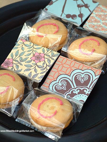 DIY Whoopie Pies As Edible Wedding Favors