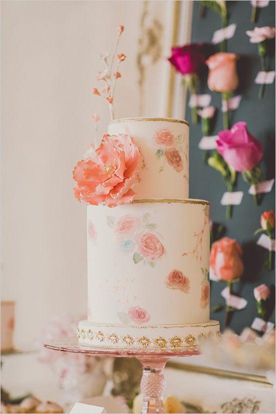 pink white and gold floral wedding cake @weddingchicks