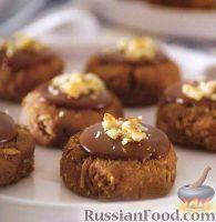 Фото к рецепту: Шоколадное печенье с кокосовой стружкой и кукурузными хлопьями