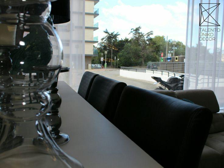 Conjugue diversos tipos de luminárias utilizando, candeeiros suspensos, de pé, de mesa, de parede, luzes embutidas no teto ou na parede... Na Talento Úniko Decor vai encontrar inúmeras ideias! Venha conhecer a nossa loja nas Colinas do Cruzeiro.  #decor #design #arquitetura #homedecor #interiordesign #home #decoration #instadecor #designdeinteriores #inspiração #interiores #casa #architecture #casamento #artesanato #arte #decoracao #inspiration #festa #style #wedding #instadesign #detalhes…