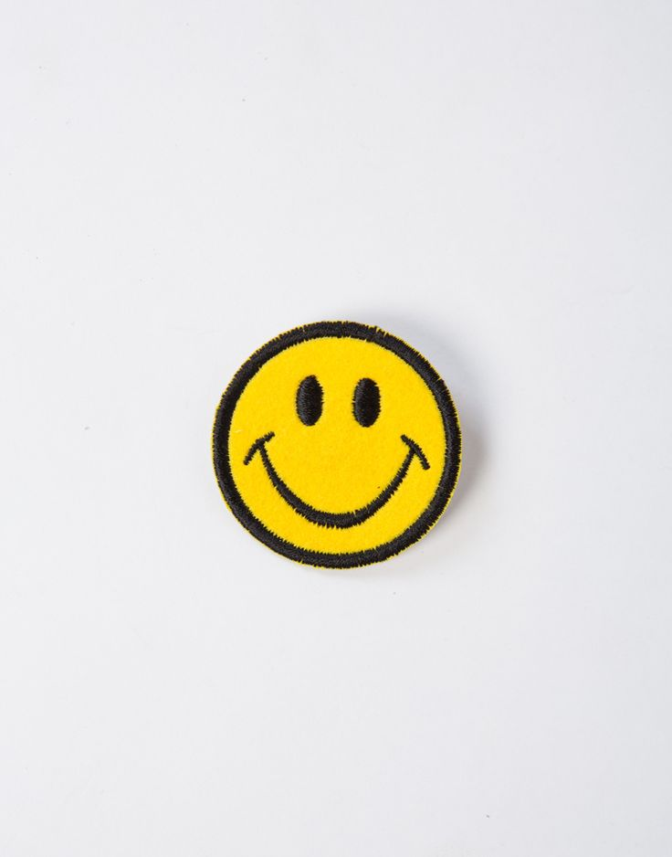 We're all smiles here with this super cute Smiley Patch! This little happy face will seriously brighten up your outfit. Perfect for those fun, laid back summer vibes! Pair it on your beach bags to your jean jackets! This pin can go anywhere and so easy to pin.