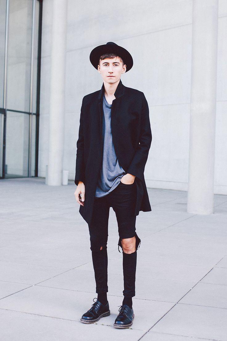 http://fashionforgents.tumblr.com/