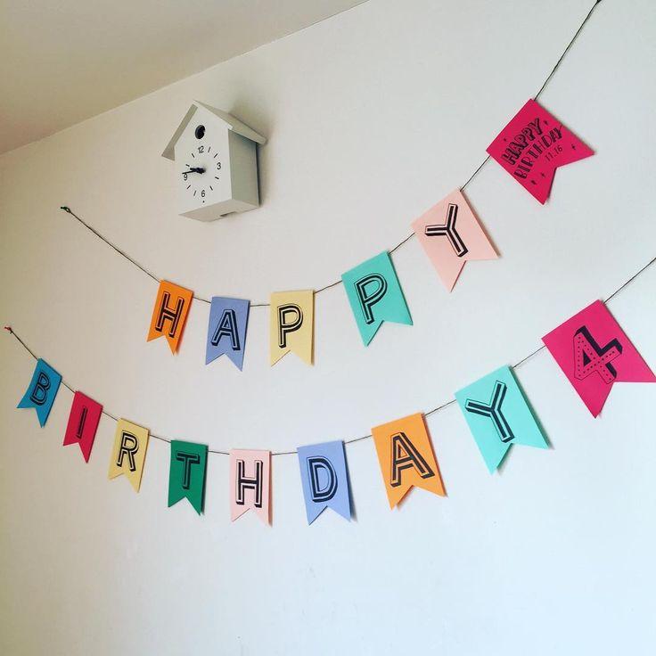 Bunting birthday garland🎉 . ガーランドも誕生日の前夜に慌てて手作り 100均で買った小さい画用紙に油性ペンで 画像で検索したフォントを手書きしました 紐は家にあった麻紐を使用 ここから毎月三姉妹の誕生日が続くので ちゃっかり使い回す予定 . #ガーランド #手作りガーランド #誕生日 #birthdaygarland #buntingflags #birthday #birthdaydecor #partydecor #partygarland #bunting #DIY #handmade