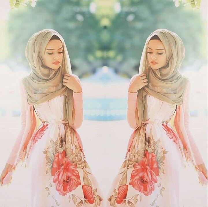Feminine, soft. Green scarf make pink flowers pop - taslim_r