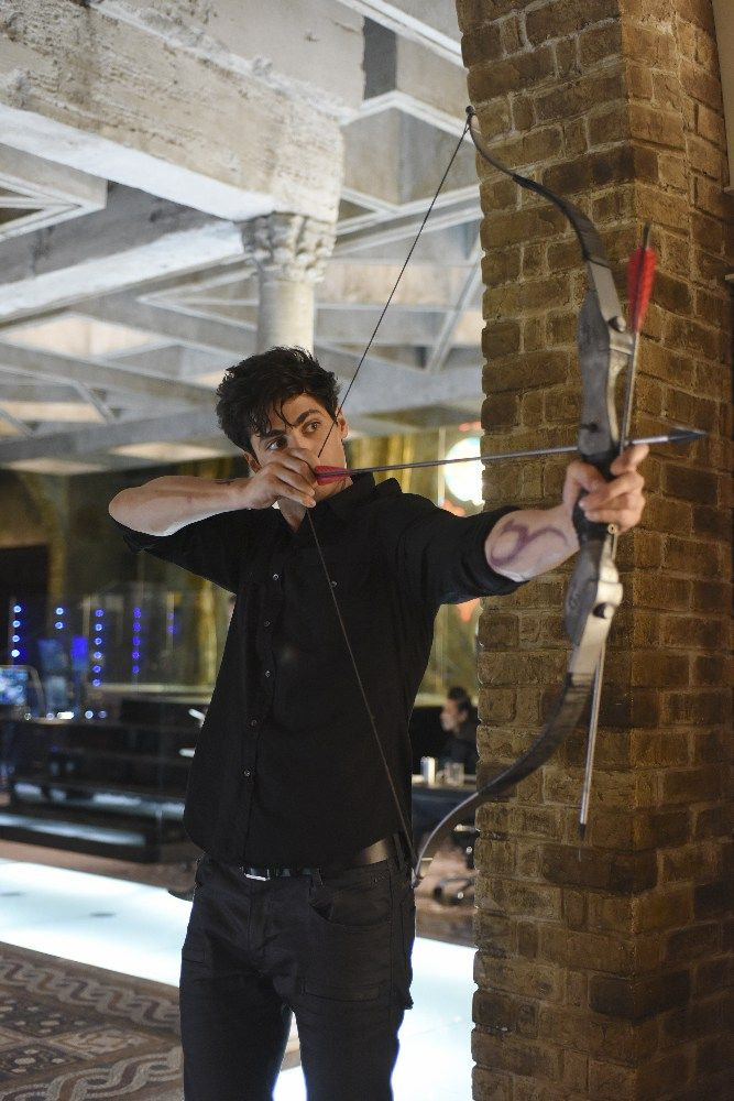 1.08 - Bad Blood - 004 - Matthew Daddario Fan Photo Gallery