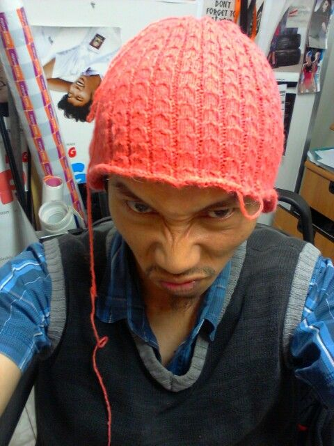Knitting Kupluk