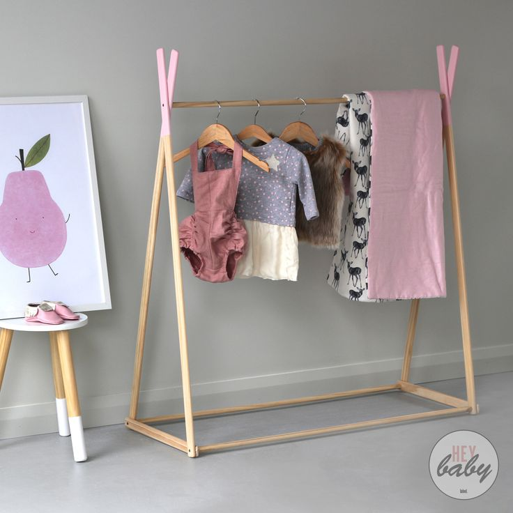 Kids stylish wooden clothing racks and cot quilts #heybabylabel