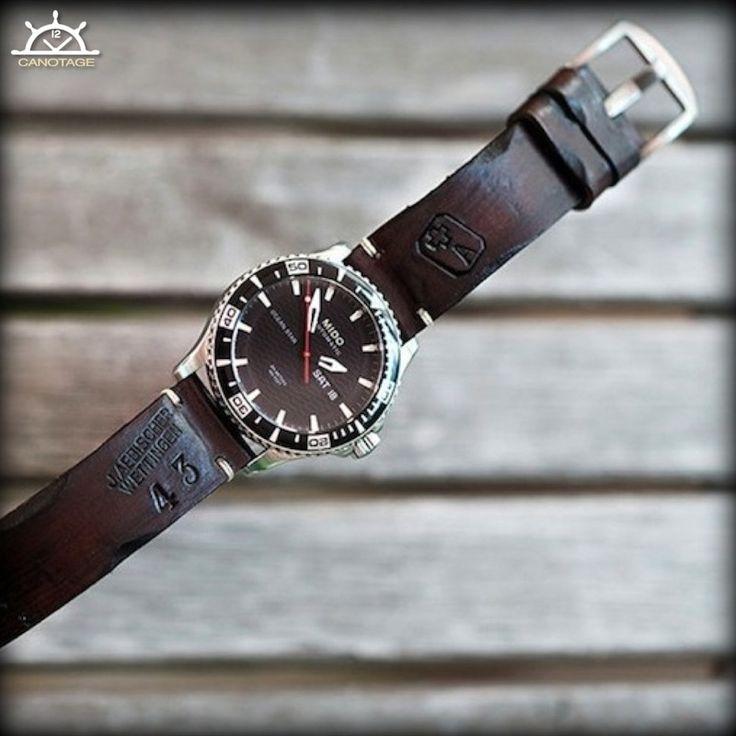 Bracelet fait sur mesure avec du cuir d'accessoires de l'armée suisse vintage. J'adore !