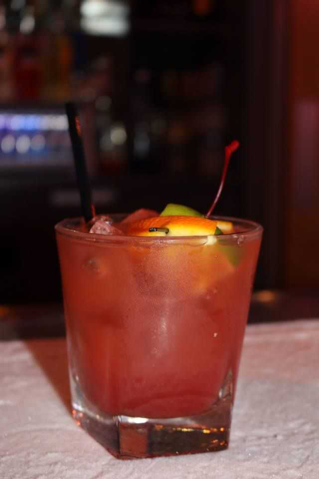 Hawaiian punch pinnacle tropical punch vodka pineapple for Best alcohol to mix with cranberry juice