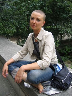 bald women styles | cool bald hairstyle for women.jpg photo