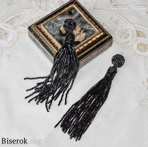 мк черные серьги из бисерной рубки
