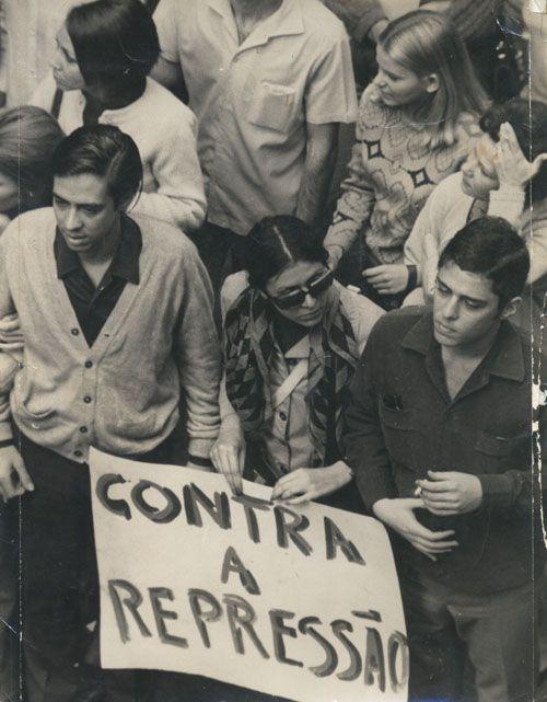 Passeata dos Cem Mil, RJ - junho de 1968: Chico Buarque, Edu Lobo, Ítala Nandi, Arduíno Colasanti e Nelson Motta