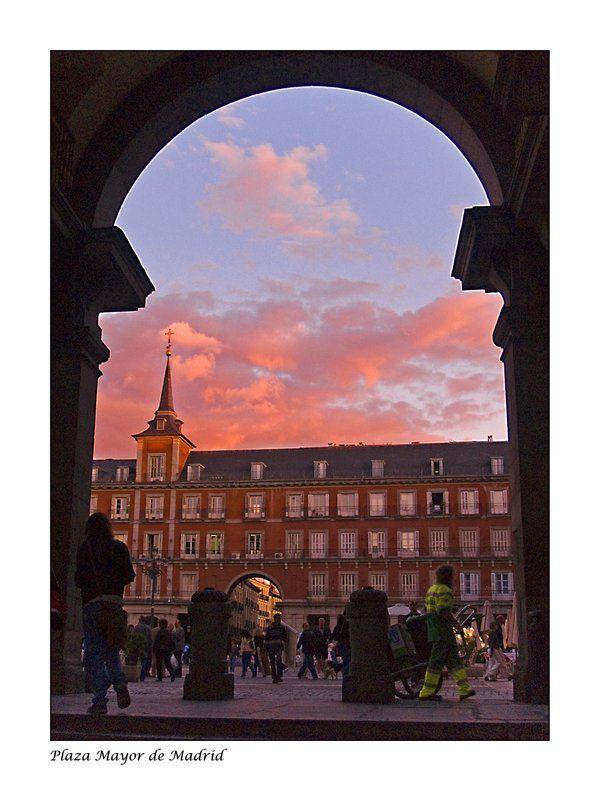 Plaza Mayor, por onicomicosis