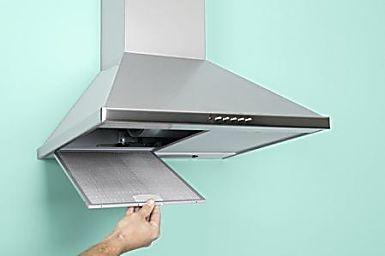 La cappa aspirante della cucina è un macchinario utile ad aspirare ed eliminare tutti i vapori e gli odori. Proprio per questo motivo necessita di una cura e attenzione molto attenta ed essere accuratamente  pulita, in modo da essere sempre efficiente e duratura.