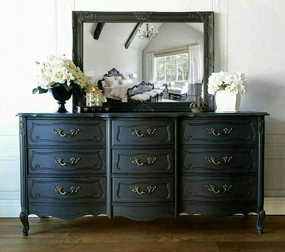 FRENCH PROVINCIAL BASSETT DRESSER & NIGHTSTANDS! This ...