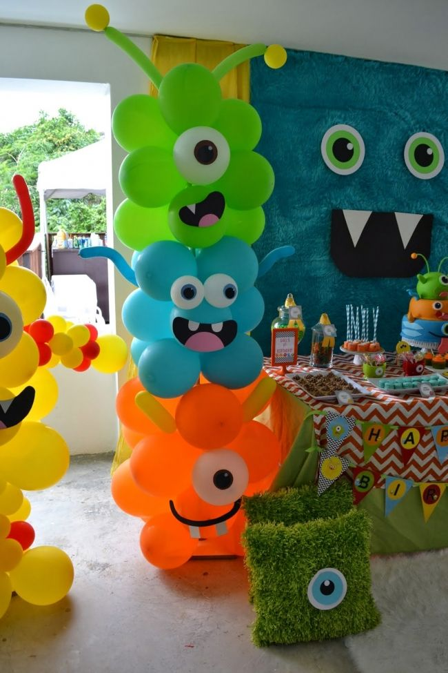 Decoración para fiesta temática con monstruos, idea en cumpleaños de chicos - Monster Bash Themed Boys Birthday Party Decoration Ideas