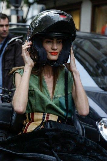 Nazomer in Parijs - Street Chic - Fashion - VOGUE Nederland