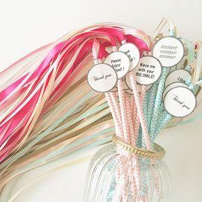 リボンワンズできた♡ * またしても旦那さんがグルーガンで総仕上げwww * 夜な夜な作り出したしおりにテンションが上がってしまい、、どうしようまた紙が必要(。╹ω╹。) #ミタント紙 とても発色もいいし印刷も綺麗だし扱いやすくておすすめです♡ * #weddingDIY#ribonwans#DIY #リボンワンズ#リボン#wedding #プレ花嫁#結婚準備#リゾ婚 #ハワイ挙式#pink#mintgreen #カスタマイズエブリデイ