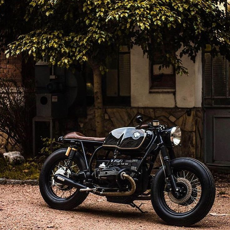 @customkulturemotorcycles keeps it classic with this sexy BMW R100 from Uru … – #aus #BMW #This #Es # stops