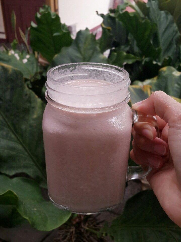 Banana Blueberry Yogurt protein shake