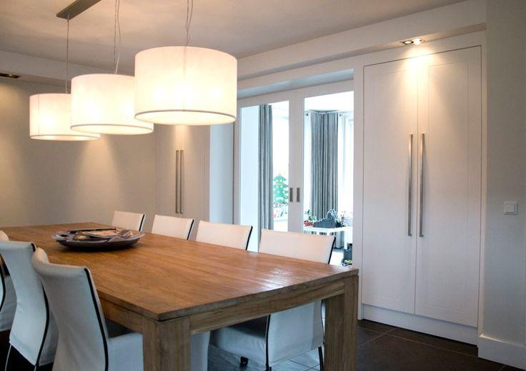 Moderne Kamer En Suite met schuifdeuren  - Matim Haard en Interieur