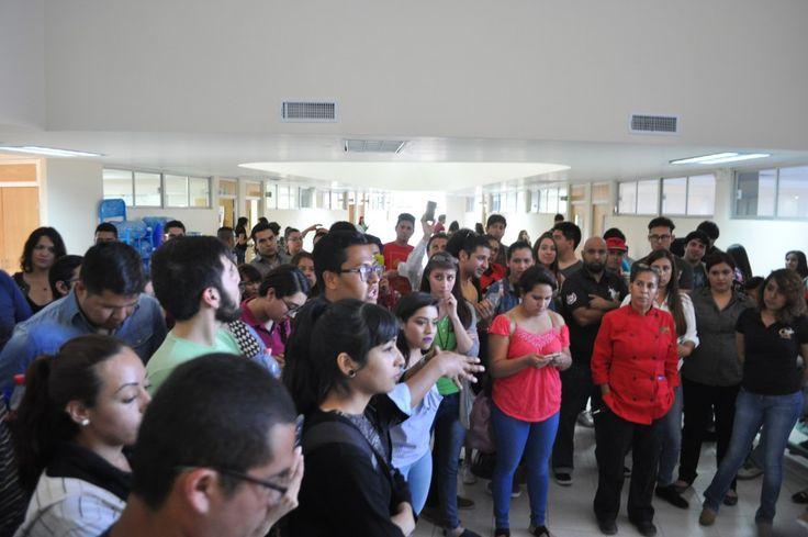 Alumnos de la Universidad Tecnológica de Chihuahua, realizaron un paro de clases, debido a que de un día para otro les incrementaron las cuotas escolares...
