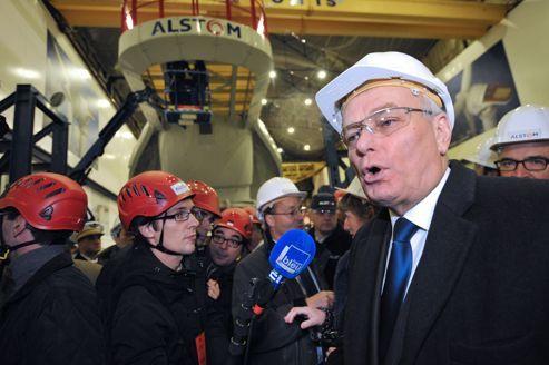 Jean-Marc Ayrault, à l'occasion de l'inauguration d'une usine Alstom de fabrication d'éoliennes, lundi matin à Saint-Nazaire. AFP PHOTO / FRANK PERRY