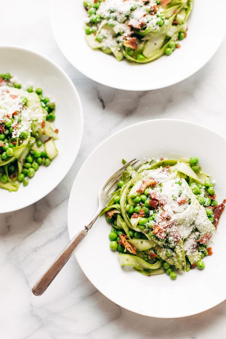 THIS RECIPE IS SPONSORED BY DELALLO Are you ready to be wow-ed? These are asparagus noodles, as in ASPARAGUS that you shave thinly to look and act like fettuccine noodles.…