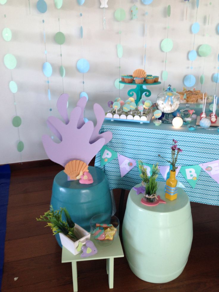 Mesa lateral da festa fundo do mar