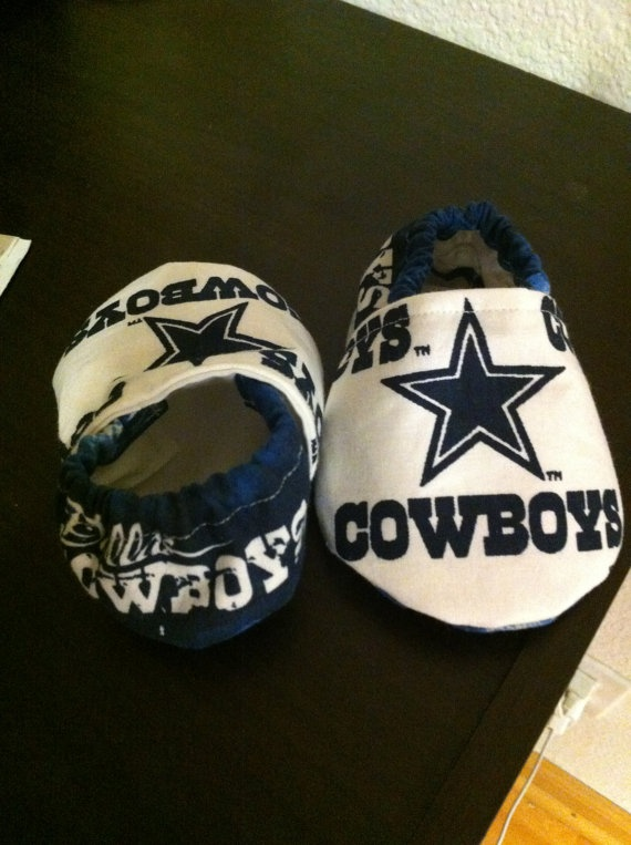 Dallas Cowboy Baby Booties by saluna on Etsy, $15.00 - a MUST for baby #4!!