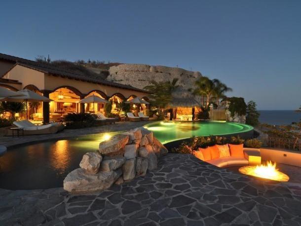 villa nel deserto messicano con vista sull'oceano