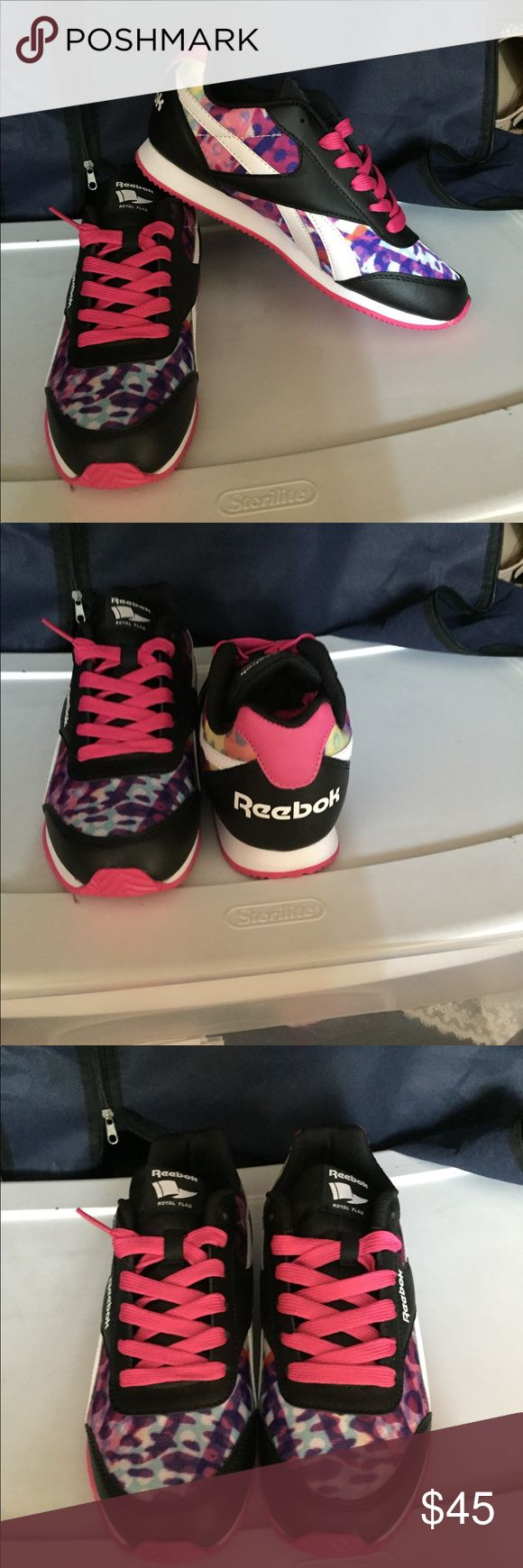 Youth 5.5 Brand new , never worn. Price includes shipping Reebok Shoes Sneakers