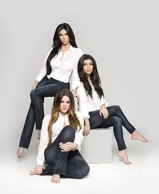 Such a cute sister's pose...even though it is the Kardashians