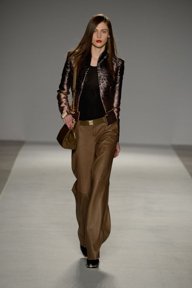 Etienne Aigner Fall 2014-15 Collection | Galleries | FashionTV | fashiontv.com